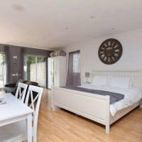 Self-contained Apartment, hotel in Corsham