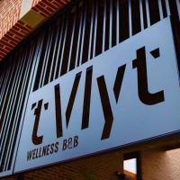 't Vlyt B&B-Wellness, hotel in Riemst