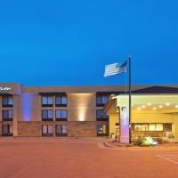 Holiday Inn Express Hotel & Suites Colby, hotel in Colby