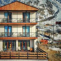 Sunshine Kazbegi, hotel in Kazbegi