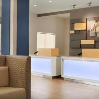 Holiday Inn Express & Suites - McAllen - Medical Center Area, an IHG Hotel, hotel cerca de Aeropuerto internacional de McAllen - Miller - MFE, McAllen