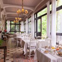 Hotel The Originals Domaine de Beaupré - Room Service Disponible, отель в городе Гебвиллер