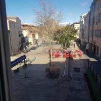 appart rénové quartier historique ,centre ville