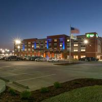 Holiday Inn Express & Suites - Dodge City, hotel in Dodge City