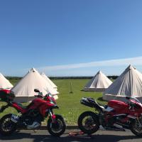 4Ever TT Glamping for Classic TT 2021, hotel in Colby