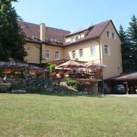 Hotel Lipa, hotel in Bojnice