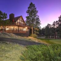 Pristine Flagstaff Cabin with Decks and Mountain Views!