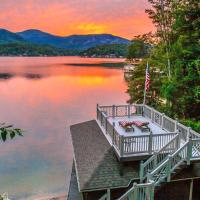 *New* Lakefront Home with Canoe, Game room and Boat House!! home