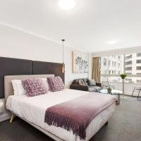 Sydney CBD Studio Apartment with Stunning View of Darling Harbour (1704 KNT)