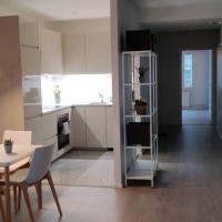 Cozy Apartment in Vibrant Kallio Helsinki, hotelli Helsingissä alueella Kallio