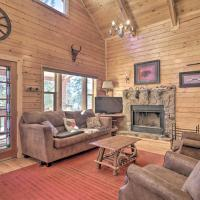 Log Cabin with Mountain Views about 30Mi to Pikes Peak, hotel in Florissant