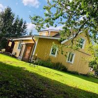 Obstgarten Mörlunda, 5 min zum Badesee, Småland, hotel in Mörlunda