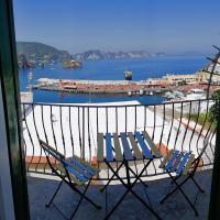 Maridea - Camere con vista al Porto, hotel in Ponza