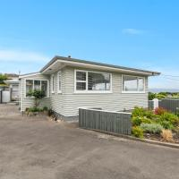 The A-house at Kapiti Views - Paraparaumu Holiday Home