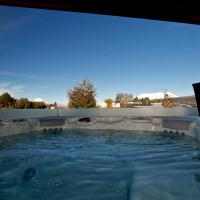 National Treasure with Spa - National Park Holiday Home