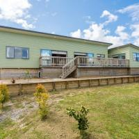 Driftwood Views - Mangawhai Heads Holiday Home