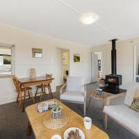 The Green Trout - Paraparaumu Beach Holiday Home