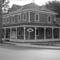Emilyville Inn, hotel em Campbellford