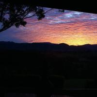 Byron Bay hinterland house - amazing sunset views!