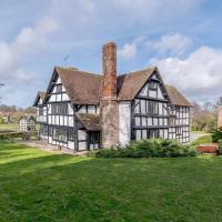 Luntley Court