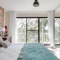 Newport Beach Spacious 2 bedrm apt Casa de Piña, hotel em Newport