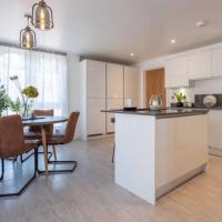 Chic & Luxurious Townhouse - Central Marlow