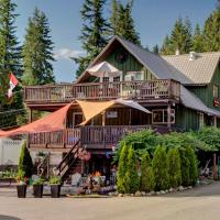 Cedar Lake House at Alpine Village Resort, hotel em Sicamous