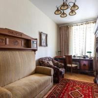 Kropotkinskaya Apartment