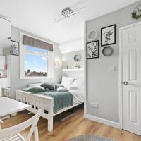 Stunning Studio Flat for 2 people in Kensal Green near West Kilburn, Ladbroke Grove and Maida Hill