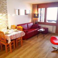 Renovated appartment with indoor swimming pool, gym and panoramic view
