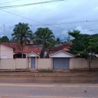 casa na fronteira Epitaciolândia-ACRE, hotel en Epitaciolandia