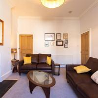 Spacious 2 Bedroom Flat in Central Edinburgh