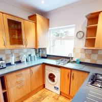 Town Centre 2 Bedroom Apartment & Private Garden