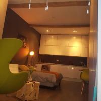 Tremendous tiny studio, 5 min from center, hotel in Noordoost, Utrecht