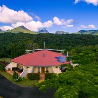 A view of Mount Warning, hotel in Uki