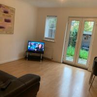 4 Bed House at The Sidings, ideal for contractors, by Claire Walton Property (Bedford)