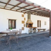 Casa rústica con terraza y barbacoa by Lightbooking