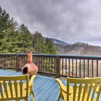 Quaint Creston Hideaway with Mtn Views and Hot Tub!, hotel in Creston