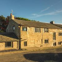Luxury traditional stone farmhouse, stunning views, hotel in Oldham