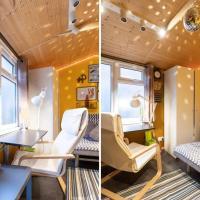 2 Bed Wooden Log Cabin TV & Netflix