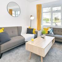 Middleton House - Spacious Entire Home for Groups & Workers, hotel in Newcastle under Lyme