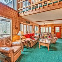 Days Mountain Retreat with Pool Access & Pool Table!