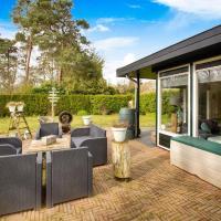 Sun-kissed Bungalow in Denekamp with Garden, hotel in Denekamp