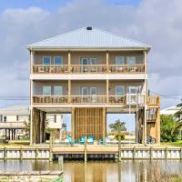 Luxury Spacious Stilted Home - Walk to Beach!