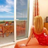 Hotel Platon Beach, отель в Олимпиаки-Акти