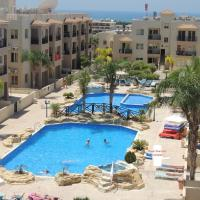 Ground floor apartment leading to pool, 2 bedrooms, FREE WIFI