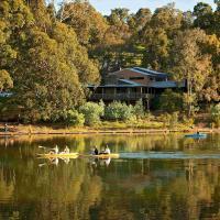 Evedon Lakeside Retreat, hotel em Burekup