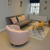 Ruston Chambers Free parking, Luxury 2 bedroom city center apartment, hotel in St. Ives