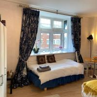 Deluxe Three Bed Apartment in Henley-on-Thames near Station River & Town Centre