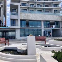 Blaauwberg Beach Hotel, hotel in Bloubergstrand